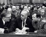 De izqda. a derecha. Dmitri Shostakovich, Kabalevsky y Gagarin