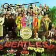 Portada del disco de The Beatles con la cara de Aleister señalada