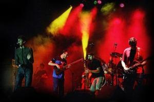 Danza Invisible en un actuación en vivo